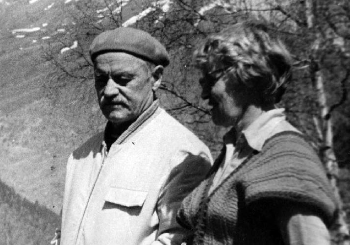 Пелевин В. рассказывает Поповой о своей жизни… (Методсбор на Кавказе)