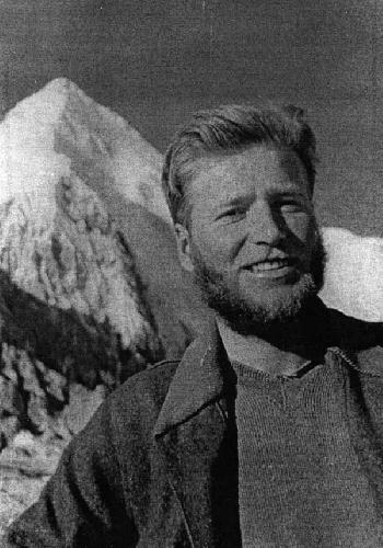 Ноздрюхин В. – один из ведущих альпинистов Ташкента