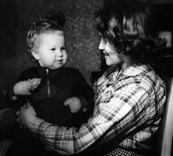 1957. Ия и сын Вадик Ноздрюхин