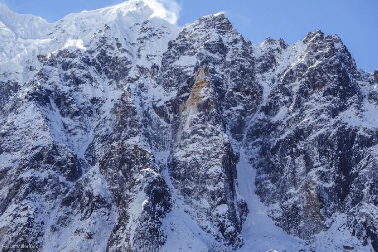 Центральная вершина Боктох (6037 м), первовосхождение, северная стена и западный-северо-западный гребень, Nyunchutui et la snow cougar