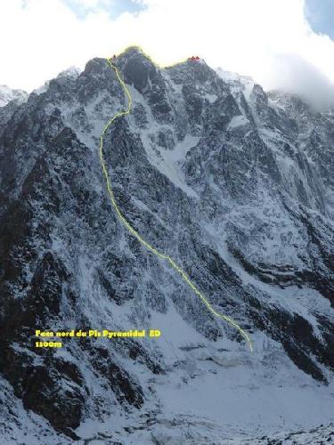 Пик Пирамидальный (5500 м), северная стена, не до вершины. Возможно, новый маршрут до высоты 5000 м