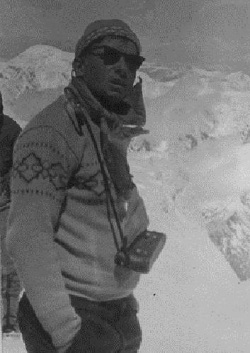 Тренер и руководитель Горьковской команды альпинистов, участник Великой отечественной войны Алексей Давыдов