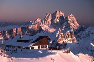 Хозяин горной хижины Rifugio Lagazuoi в Альпах: жизнь и работа в раю!