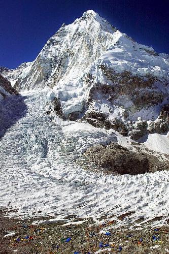 Ледопад Кхумбу на Эвересте