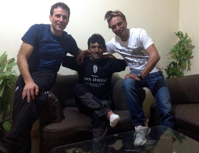 "Исламабад. После двух месяцев экспедиции: Алекс Тикон (Alex Txikon),  Мухаммад Али ""Садпара"" (Muhammad Ali"