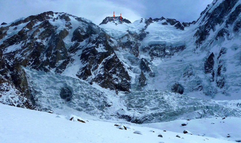 Вершина Нангапарбат и максимальная отметка до которой дошли альпинисты 13 марта 2015 года
