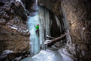Рафаль Андроновски (Rafal Andronowski) в Marble Canyon, Kootenay National Park.