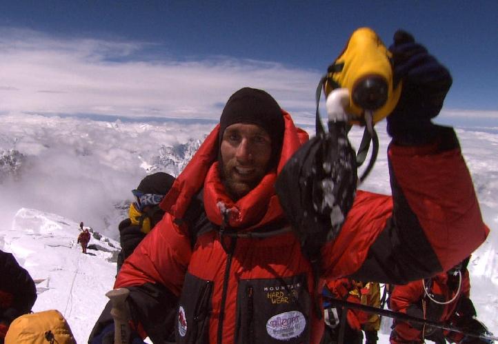 Эрик Великий на вершине Эвереста, в прошлом году не менее сенсационно сплавился по каньону Колорадо на каяке