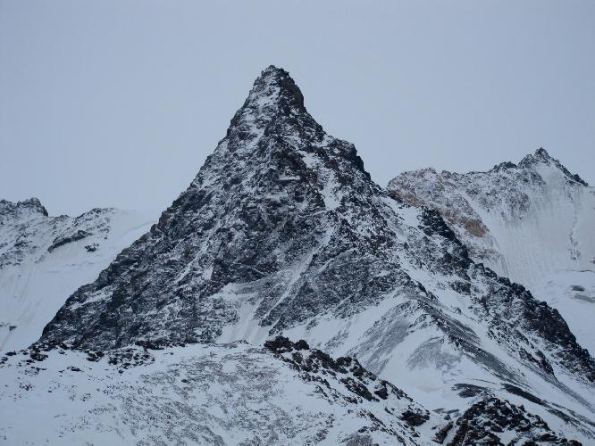 Безымянная и непройденная горная вершина на Тянь-Шане. Цель итальянских альпинистов