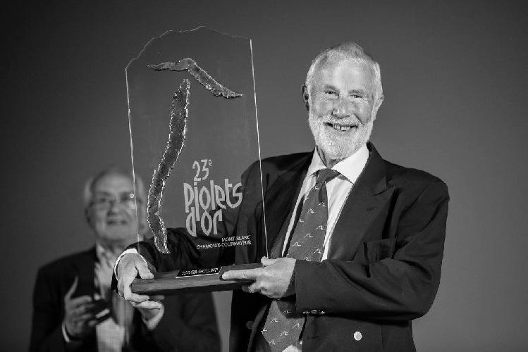 """Сэр Кристиан Джон Бонингтон (Sir Christian John Storey Bonington) на сцене """"Золотой Ледоруб 2014"""" (Piolets d"""