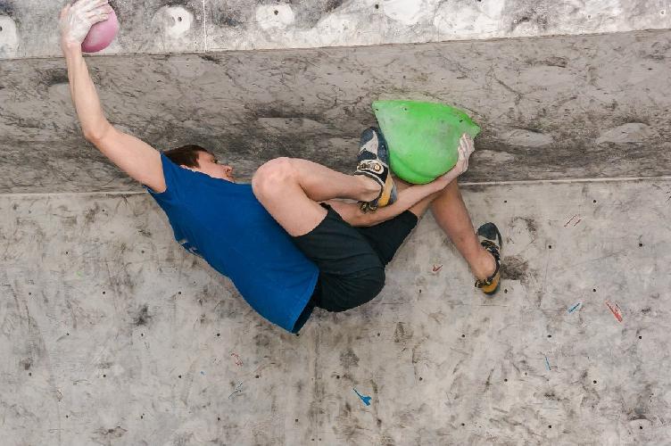 Фоторепортаж с финала Кубка Украины 2015 по боулдерингу