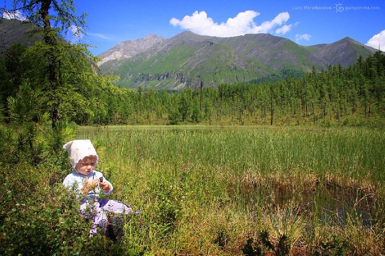 Шумак, уникальный высокогорный парк в Восточных Саянах, Россия (Амелии 1,3 года)