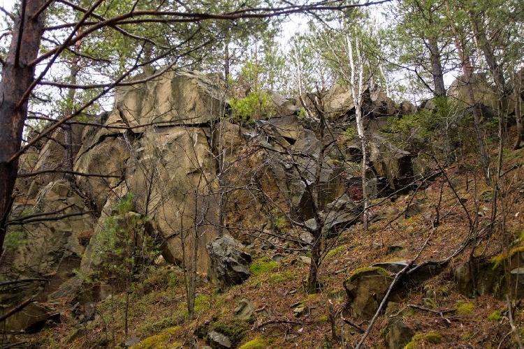 В поисках интересных скал Украины. ГОРА ДОБРЯНА
