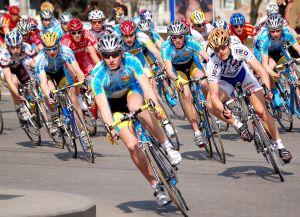 Украинские велогонщики выиграли