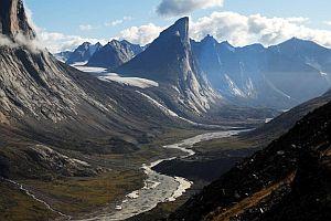 9 грандиозных скальных образований