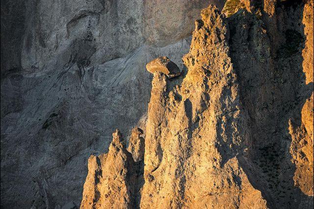 Регион Нижняя Сурсельва в каноне Граубюнден отличается, наверное, самым живописным в Швейцарии горным ландшафтом, изрезанным глубокими ущельями и долинами. Возник такой ландшафт благодаря воздействию воды, холода, ветра и силы тяжести. Фотографии: Андреас Герт / Andreas Gerth