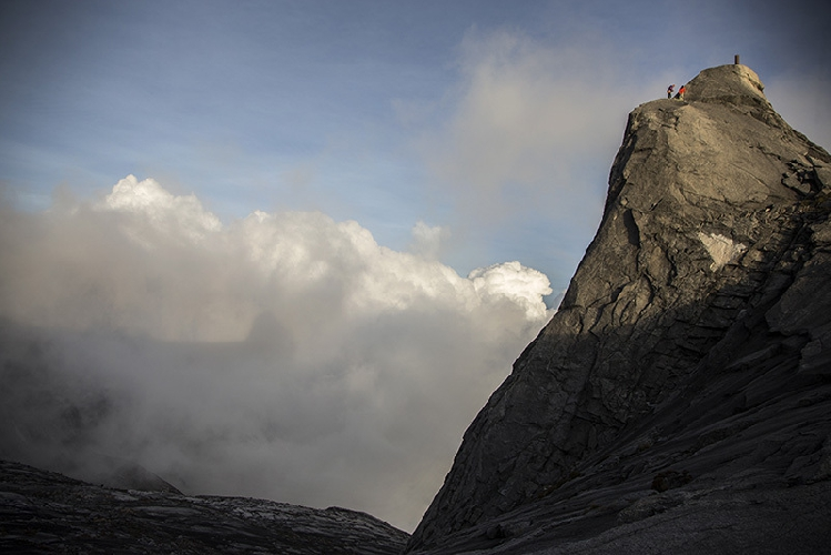 Сачи Амма (Sachi Amma) и Юджи Хираяма (Yuji Hirayama ) на горе Кинабалу на Борнео