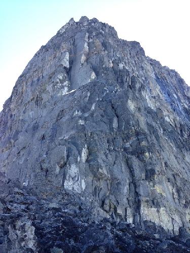 Северо-Восточный гребень Северной башни горы Devils Paw на Аляске