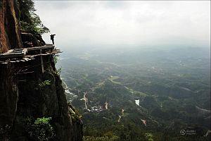 Как строят туристические дороги в горном Китае