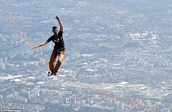 Натан Паулин устанавливает новый мировой рекорд в хайлайне, пройдя по стропе 469 метров