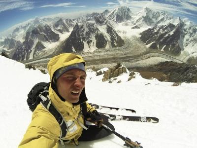 Анджей Баргель впервые в истории спускается на горных лыжах с восьмитысячника Броуд Пик