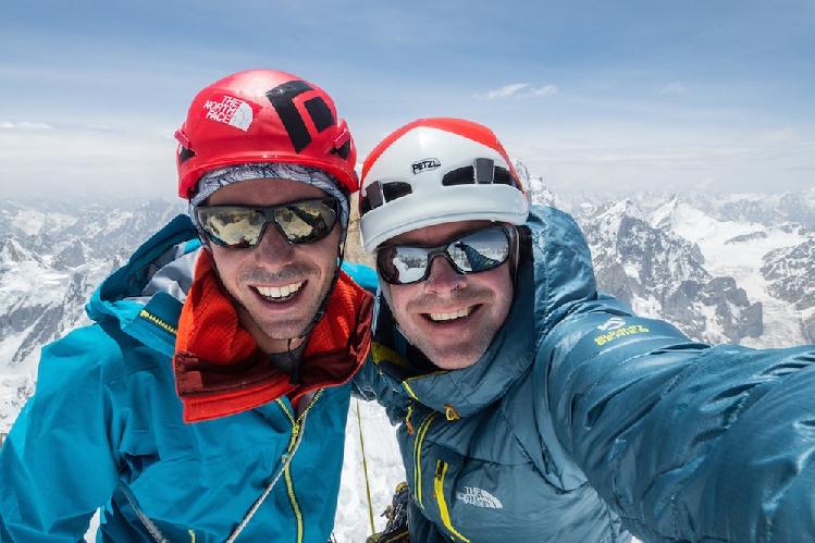 Энди Хаусман (Andy Houseman) и Джонатан Гриффит (Jonathan Griffith) на Западной вершине горы Линк Сар (Link Sar)