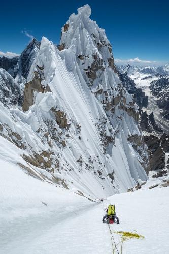 Джонатан Гриффит в восхождении на Западную вершину пика Линк Сар (Link Sar). маршрут Fever Pitch