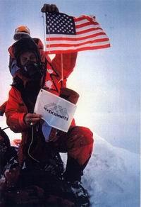 Дик Басс на вершине Эвереста