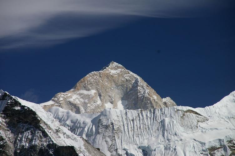 Макалу (8485 м) - Черный великан