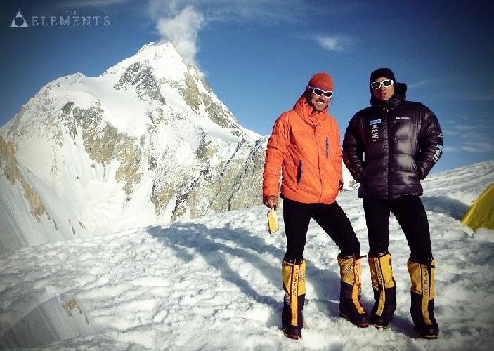 Томаш Петречек (Tomas Petreček) и Марек Холечек (Marek Holeček) во втором высотном лагере на Гашербрум I