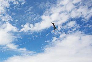 Француженка установила новый мировой рекорд среди женщин на хайлайне