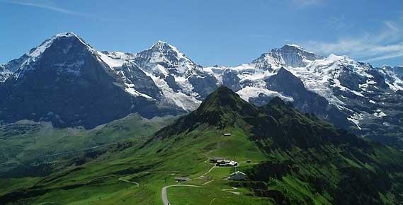 Вид на Эйгер, Мёнх, Юнгфрау с Мэнлихена. Бернские Альпы