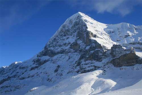 Северная стена Эйгера в снегу