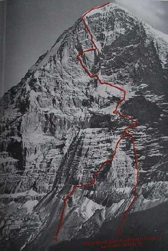 Слева маршрут выхода на стену Хекмайера-Фьёрга, справа -Каспарека-Харрера