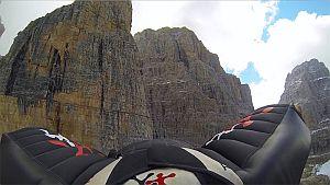 Первый бейсджампинг с вершины Campanile Basso (2877 м)