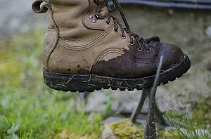 10 способов высушить ботинки в походе