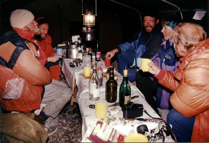 Эверест-91. Трещины ледопада Кхумбу не такие страшные, как в фильме Эверест, но бывали и пошире и поглубже.