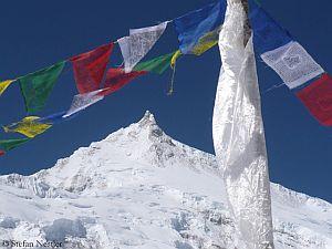 Осень 2015 в Гималаях: На восьмитысячник Манаслу поднялись 76 человек! На Макалу женская команда сворачивает экспедицию