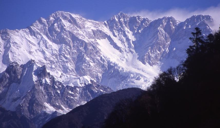 Вид из Непала на Южную стену Канченджанги