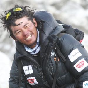 Японский альпинист Нобуказу Курики начнет штурм Эвереста уже сегодня ночью
