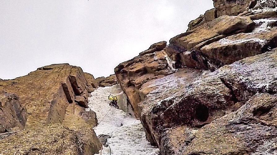 """На маршруте """"Flight of the Zephyr"""" по Восточной стене пика Панфиловской дивизии (5300 метров)"""