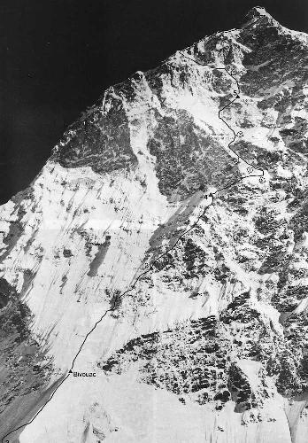 Макалу. Южная стена. Отметки высот различных попыток и маршрут восхождения югославской экспедиции
