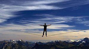 Швейцарский экстремал Самюэль Волери установил новый мировой рекорд в хайлайне