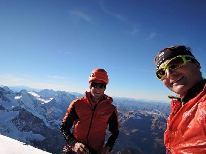 Ули Штек (Ueli Steck) и Килиан Джорнет Бургада (Kilian Jornet Burgada) на вершине Эйгера