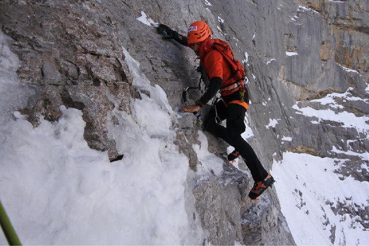 Ули Штек (Ueli Steck). 17 ноября 2015 года. Новый скоростной рекорд восхождения на Северной стене Эйгера