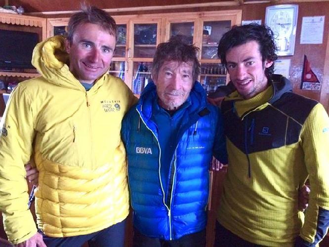 Ули Штек (Ueli Steck), Килиан Джорнет Бургада (Kilian Jornet Burgada) и Карлос Сория в Гималаях