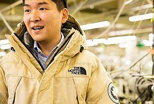 Создана первая в мире куртка из паутины