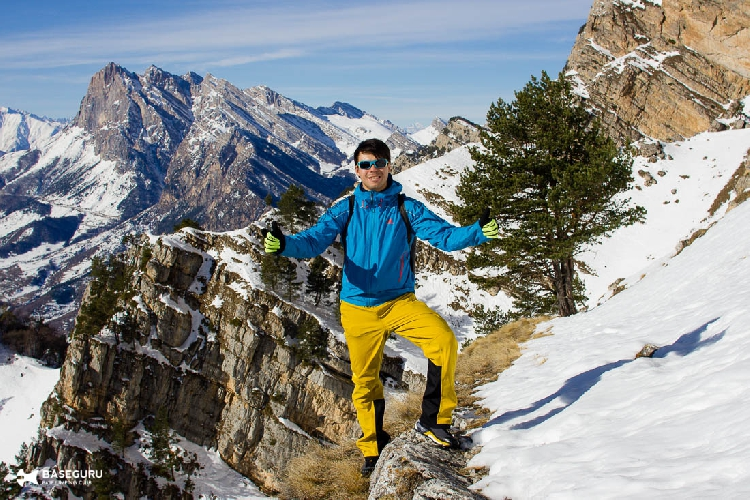 Ратмир Нагимьянов,Алексей Дроздов. прыжок с Мят-Лоам высотой 2993 метра