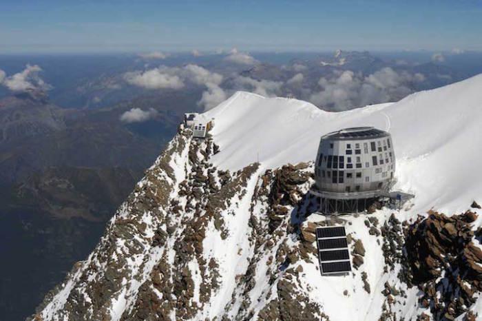 Refuge du Gouter - эко-хижина, расположенная в Альпах. Архитекторский проект швейцарца Herve Dessimoz совместно с бюро Group-H.