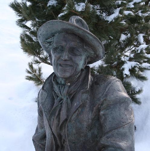 Памятник Луису Тренкеру, Альп-ди-Сьюзи